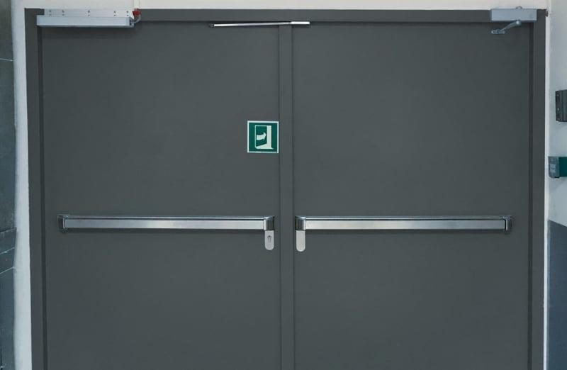 Porte métallique coupe-feu