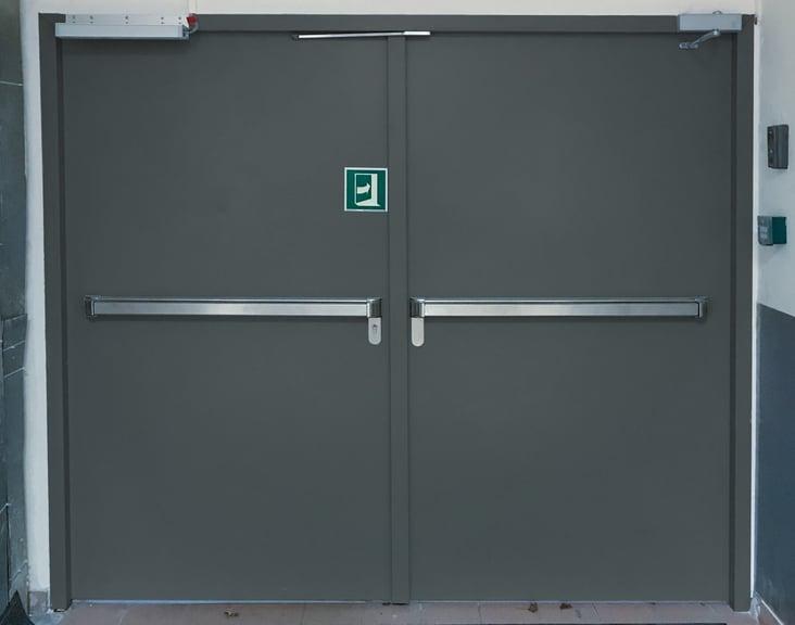 Porte-metallique-2-vantaux